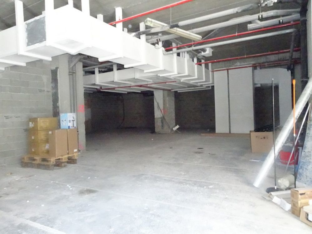 Local commercial 232 m²