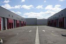 Local d'activité 82 m² 530