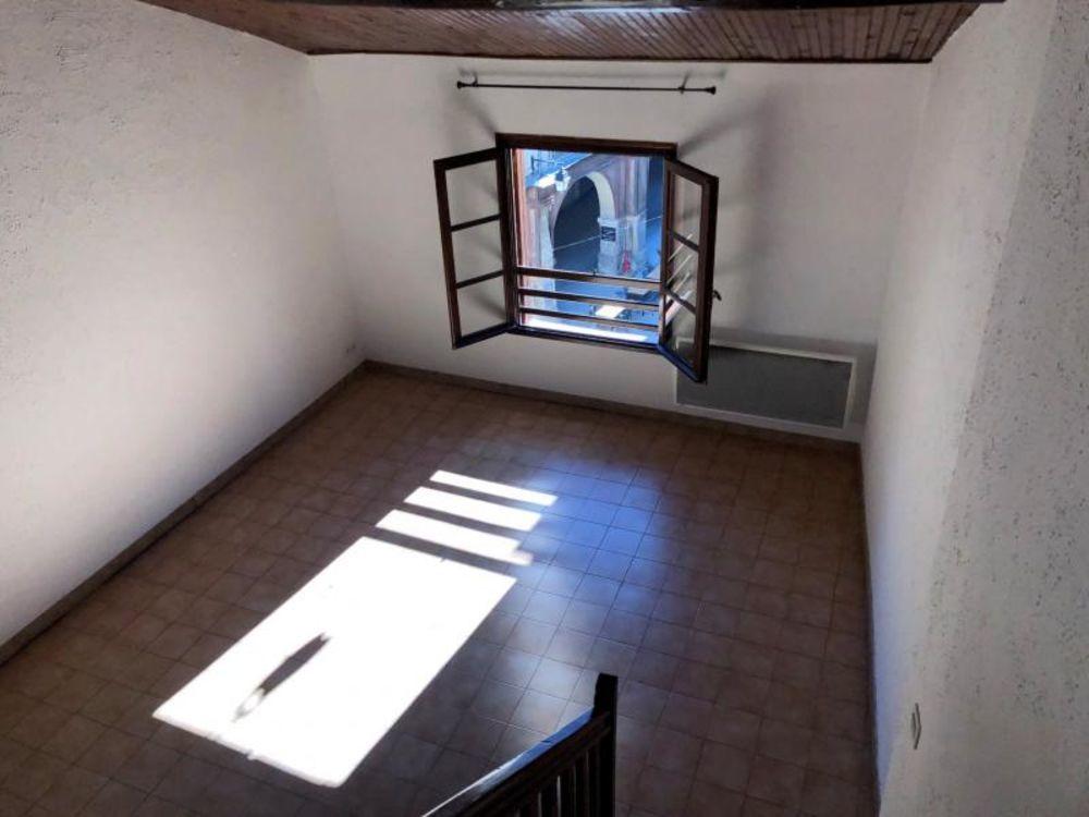Location Appartement A LOUER - T2 MEZZANINE - SOMMIERES (30)  à Sommieres