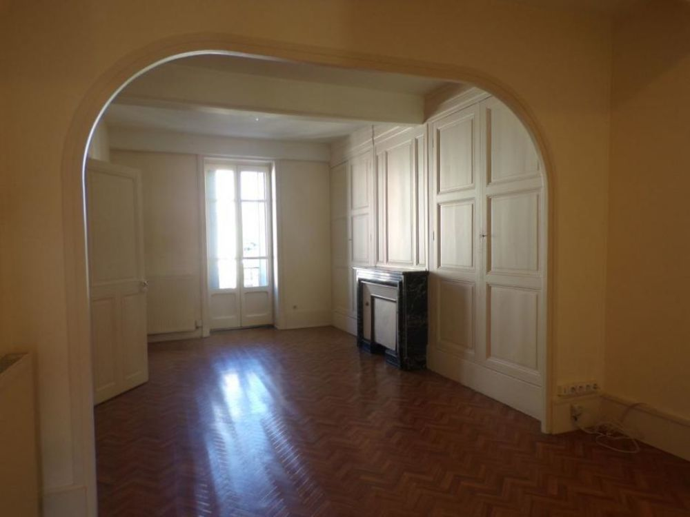 Location Appartement 3 Pièces  à Macon