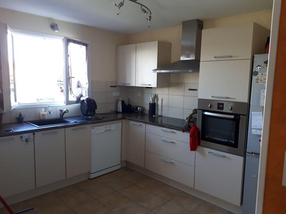 location Maison - 4 pièce(s) - 89 m² Bains (43370)