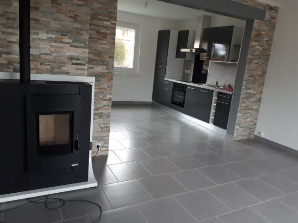 location Maison - 3 pièce(s) - 58 m² Frugerès-les-Mines (43250)