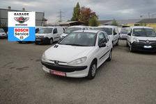 Peugeot 206 2000 - Blanc - 1.1i ESSENCE 5 places 3 portes blanche 1590 82000 Montauban