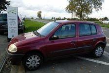 Renault Clio 2001 - Rouge Verni - 1,4  AUTHENTIQUE CLIM 118176km 1850 95520 Osny