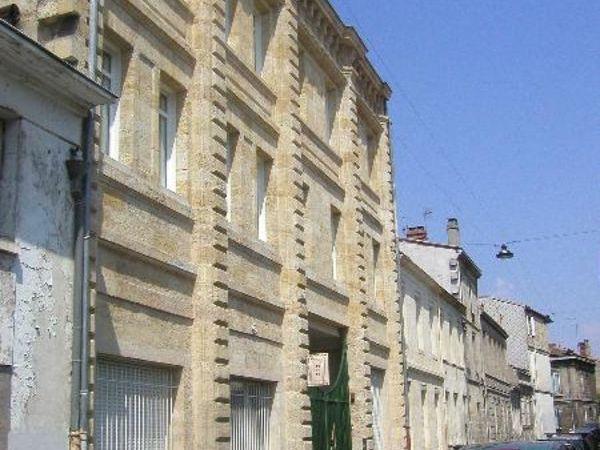 Annonce location appartement bordeaux 33000 32 m 647 for Location appartement atypique bordeaux 33000
