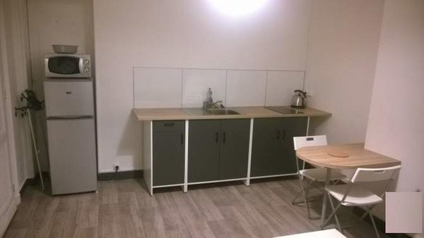 annonce location appartement bordeaux 33000 30 m 700 992737508869. Black Bedroom Furniture Sets. Home Design Ideas