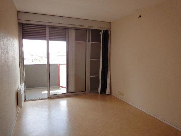Annonce location appartement bordeaux 33000 18 m 403 for Location appartement atypique bordeaux 33000