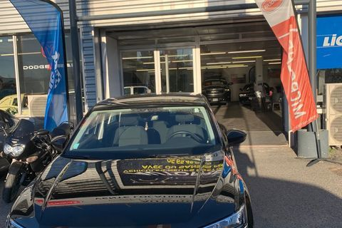 Volkswagen T-Roc - 1.6 TDI 115ch - Noir 22500 12000 Rodez