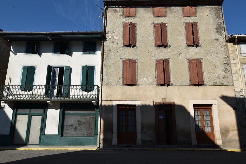 Vente Appartement Grande maison de village entièrement à rénover a Bélesta Bélesta