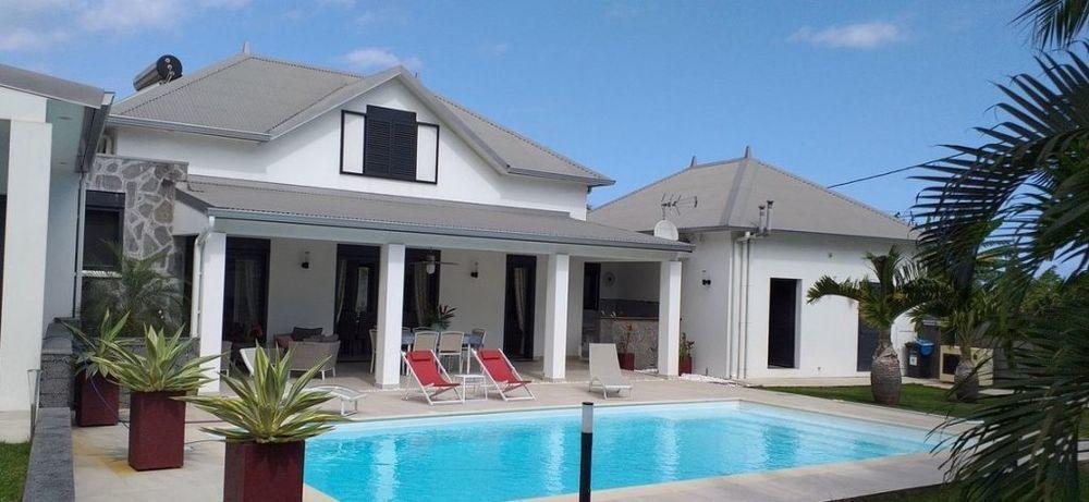 Maison - 6 pièce(s) - 180 m² 774000 Saint-Joseph (97480)