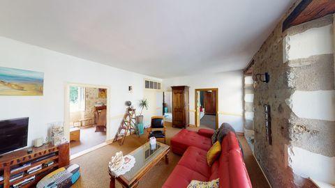 Maison en pierre 175m² Videix 139990 Rochechouart (87600)