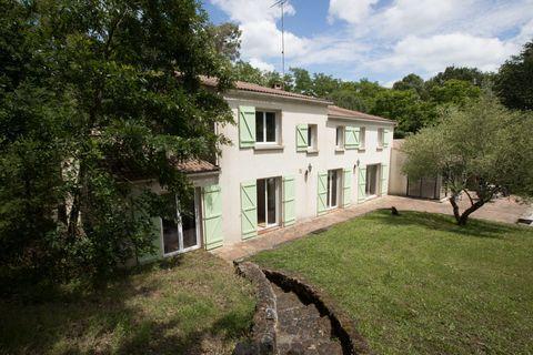 NESMY - Maison - 10 Pièces - 340m² 602000 Nesmy (85310)