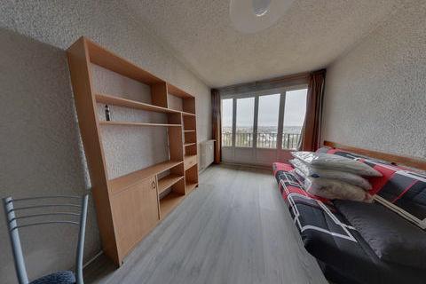 Grand appartement de type studio meublé à louer à Évreux avec cave et parking 450 Évreux (27000)