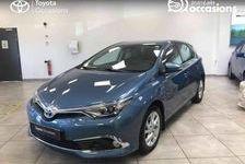 Toyota Auris Hybride 136h Dynamic 2017 occasion Seyssinet-Pariset 38170