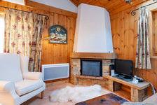 Bel appartement de ski, 3 chambres avec une cheminée, parking privé, balcon exposé ouest. Méribel-Centre. 565000 Les Allues (73550)