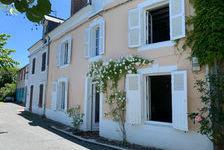 Maison de ville charmante, située dans endroit recherché au bord de la rivière Sarthe 199950 Parcé-sur-Sarthe (72300)