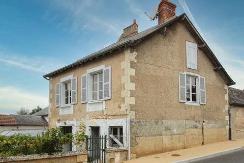 Petite maison à rénover dans un village vivant aux bords de la Creuse en Indre-et-Loire 44600 Tournon-Saint-Pierre (37290)