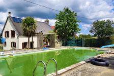 Une grande maison familiale rurale avec piscine et voisins sympathiques. Offres invitées pour une vente rapide 147150 Barenton (50720)