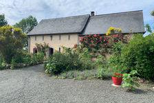 Propriété magnifique, soigneusement rénovée avec grand gite, piscine intérieure chauffée et maison privée. 799950 Saint-Pierre-sur-Erve (53270)
