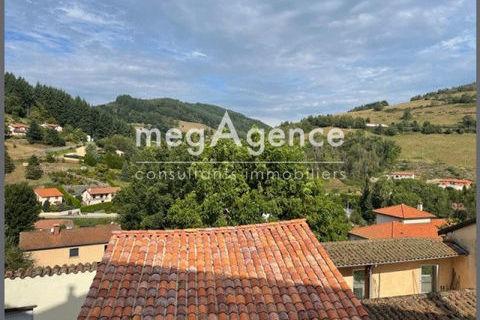 Maison rénovée avec jardinet, dépendance, garage et terrain de 160m2 370000 Joux (69170)