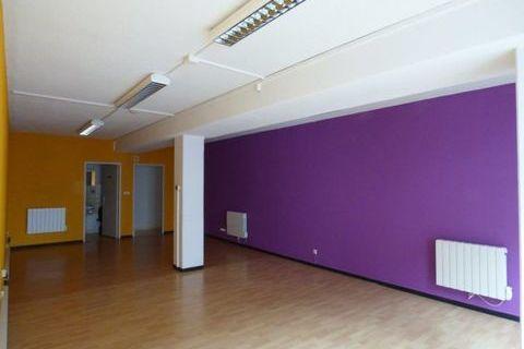 PLEIN CENTRE, Local libre de suite 680 67120 Molsheim
