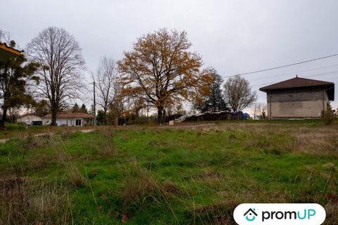 Terrain constructible de 706 m² à Viriat 73000 Viriat (01440)