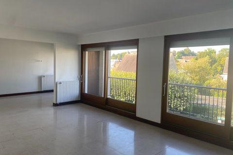 Appartement Provins 5 pièces 140 m² 990 Provins (77160)