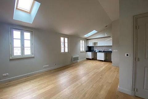 Appartement T3 à louer à HYERES 653 Hyères (83400)
