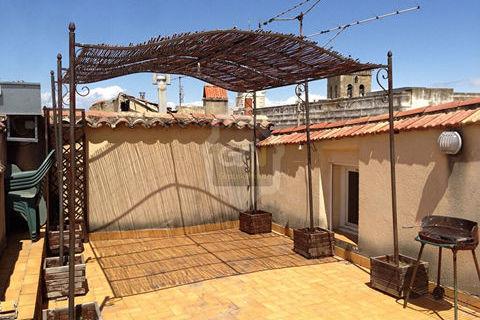 Appartement Centre ville d'Orange deux chambres 70 m2 avec terrasse et cave. 720 Orange (84100)