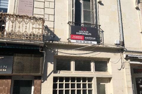 A louer en hyper centre ville de La Flèche - Local commercial de 70 m² 700 72200 La fleche