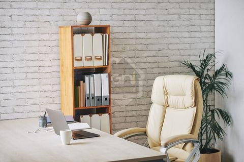 Bureaux Orange 114 m2 1850 84100 Orange