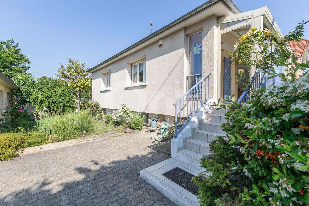 Vente Maison Maison Vaires Sur Marne 5 pièce(s) 130m2 terrain 460m² garage double Vaires sur marne