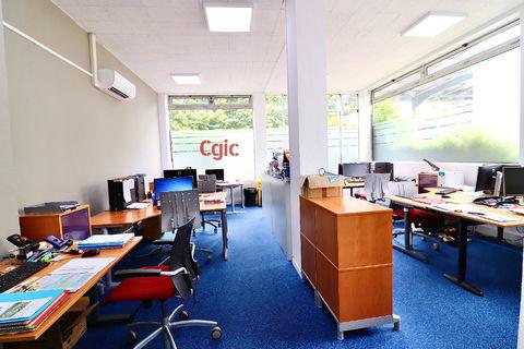 Murs de bureaux : 80 m² RDC + 45 m² Sous-sol 357000 78100 Saint germain en laye