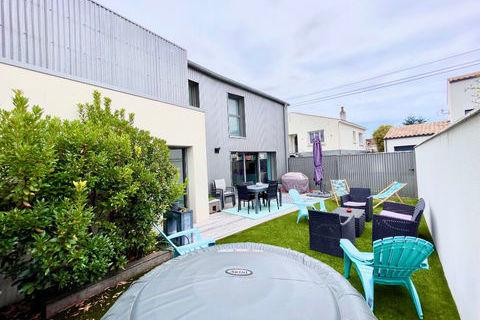 Maison style industriel avec garage et jardin, 4 chambres à la Rochelle quartier St Eloi 735000 La Rochelle (17000)
