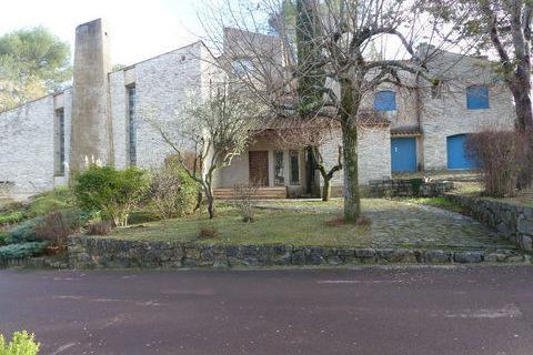 Maison Nimes 9 pièce(s) 389.80m² 970000 Nîmes (30000)