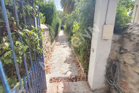 Appartement T3 de 71 m² à rénover entièrement au Mourillon proche des plages 205000 Toulon (83000)