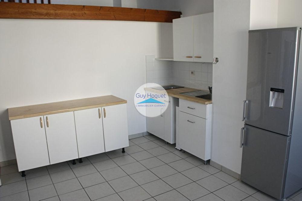 Location Appartement Centre-ville de Chambéry : T1 en dernier étage Chambery