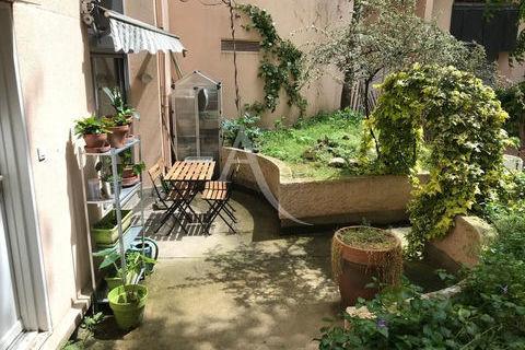 Agréable 2 pièces avec jardin... 495000 75010 Paris