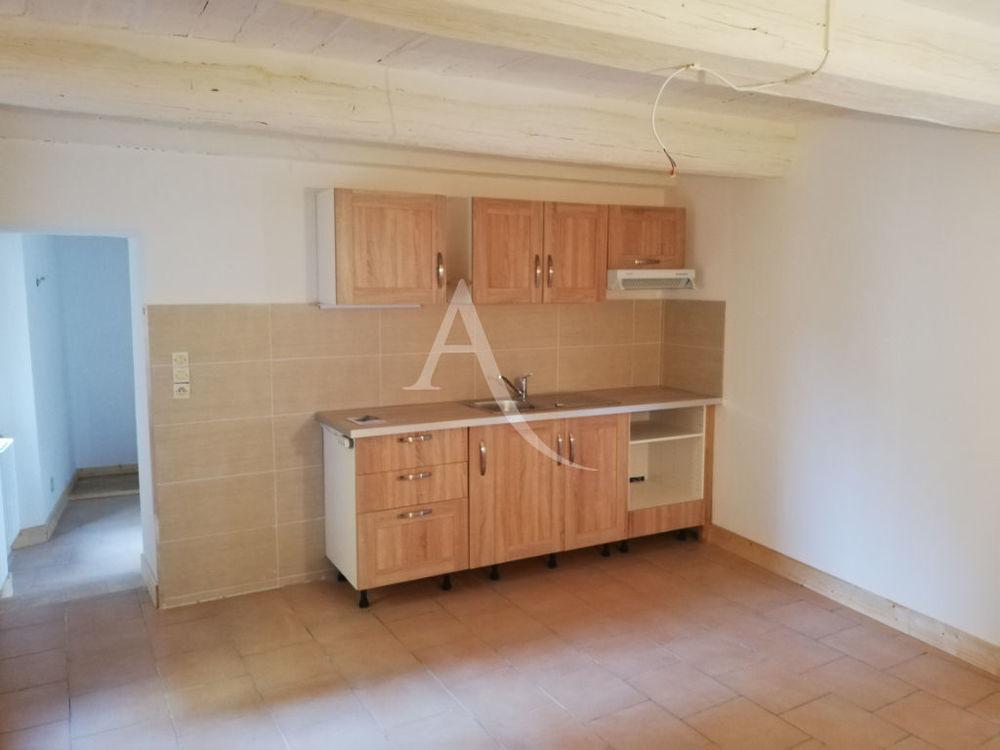 Location Appartement Type 3 rénové situé dans le centre de TOURVES Tourves