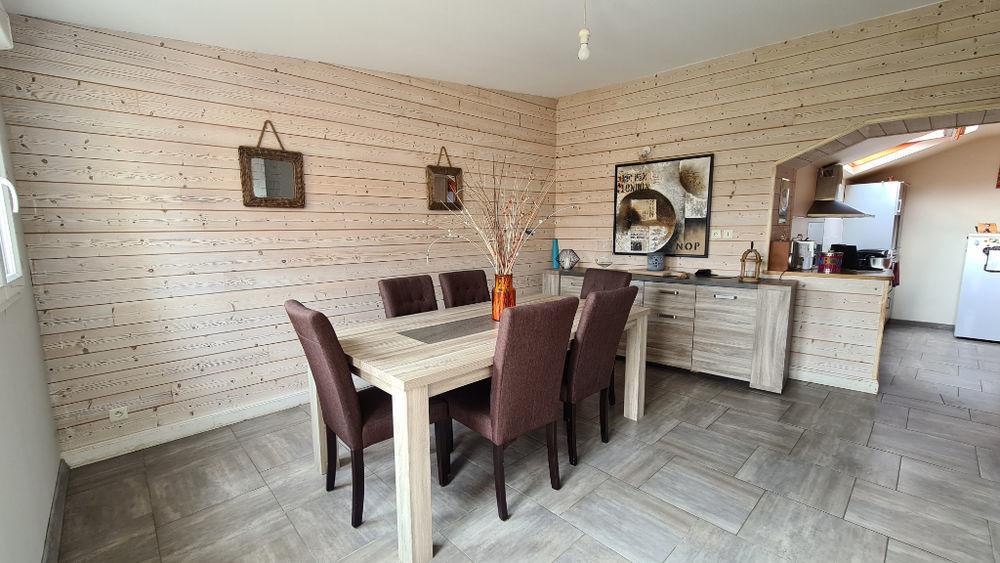 Vente Maison Maison Quelaines Saint Gault 7 pièce(s) 240 m2 Quelaines saint gault