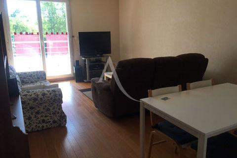 Appartement Fleury Les Aubrais  3 pièce(s) 75 m2 800 Fleury-les-Aubrais (45400)