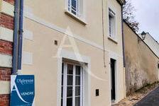 Jolie maison de ville de 140m² avec cour, garage et dépendances. 175000 Château-Gontier (53200)