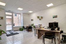Local commercial de 56.79 m² 90000 13350 Charleval
