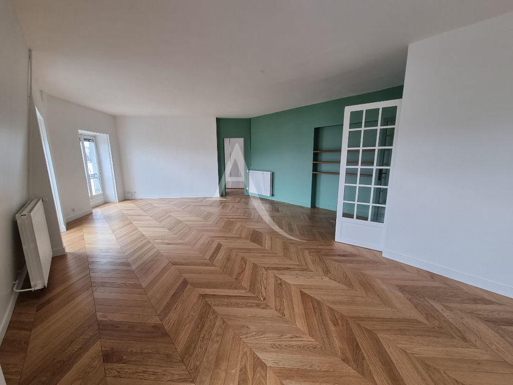 Vente Appartement Au dernier étage vaste appartement 5P de 154 m²... Paris 10
