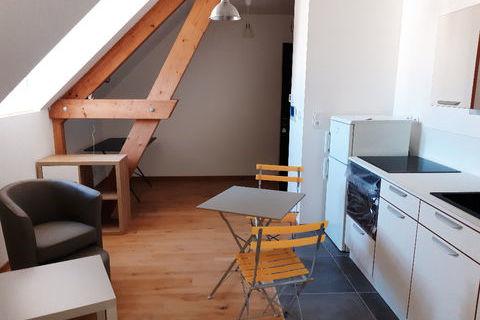 Plein centre F2 rénové avec meubles 505 Nevers (58000)