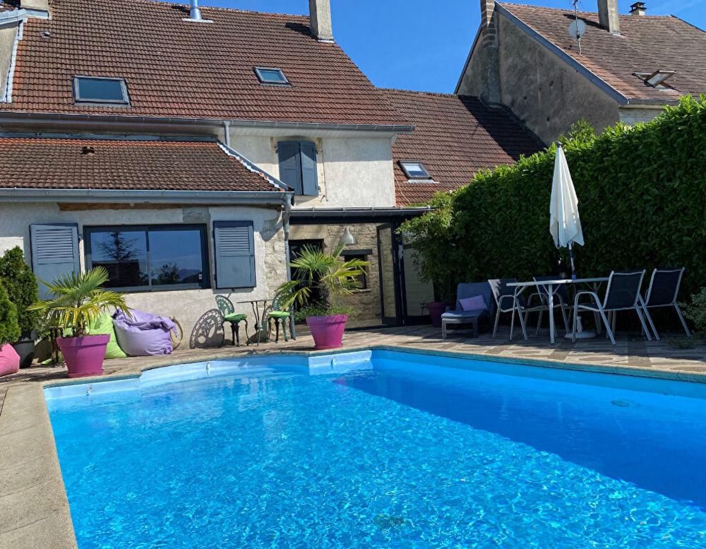 Vente Maison Maison de village à Lavigny 6 pièces/ 4 chambres/ 180 m² Lons le saunier