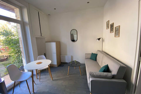 Appartement meublé Périgueux 1 pièce(s) 17 m2 380 Périgueux (24000)