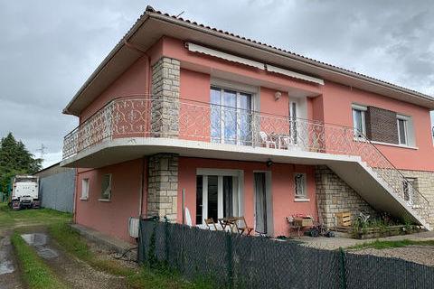 Maison Valence D Agen 9 pièce(s) 250 m2 305950 Valence (82400)