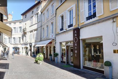 Local d'activité centre-ville Bourg En Bresse 111 m2 1267 01000 Bourg en bresse