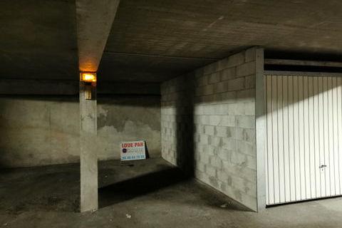 Place de parking aux minimes 48 La Rochelle (17000)